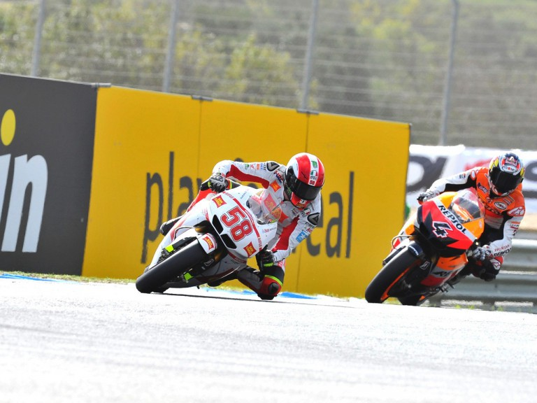Simoncelli riding ahead of Dovizioso at Estoril
