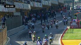 O vencedor da pretérita jornada em Portugal assinou o melhor tempo da primeira sessão de livres de Moto2 em Valência nesta manhã de sexta-feira. Na luta pela segunda posição do Cmapeonato Simón começou com o quarto tempo, enquanto a queda de Iannone limitou a sua presença em pista e deixou-o em 39º.