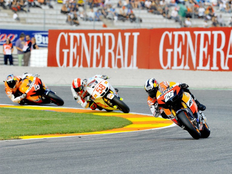 Pedrosa riding ahead of Simoncelli and Dovizioso in Valencia