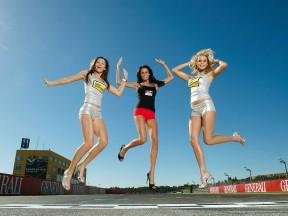 Paddock Girls at the Gran Premio de la comunitat Valenciana © Alexandre Chailan & David Piolé