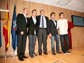 Lorenzo, Terol, Elias and Marquez attend the Spanish Sport Council Gala alongside Jaime Lissavetzky