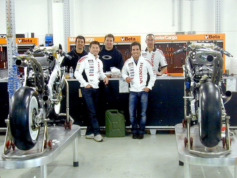 Lucio Cecchinello and Toni Elías at the LCR Team technical division