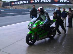 Slow start in poor weather for Jerez test
