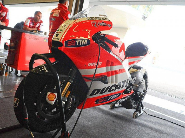 Desmosedici GP11 test in Jerez
