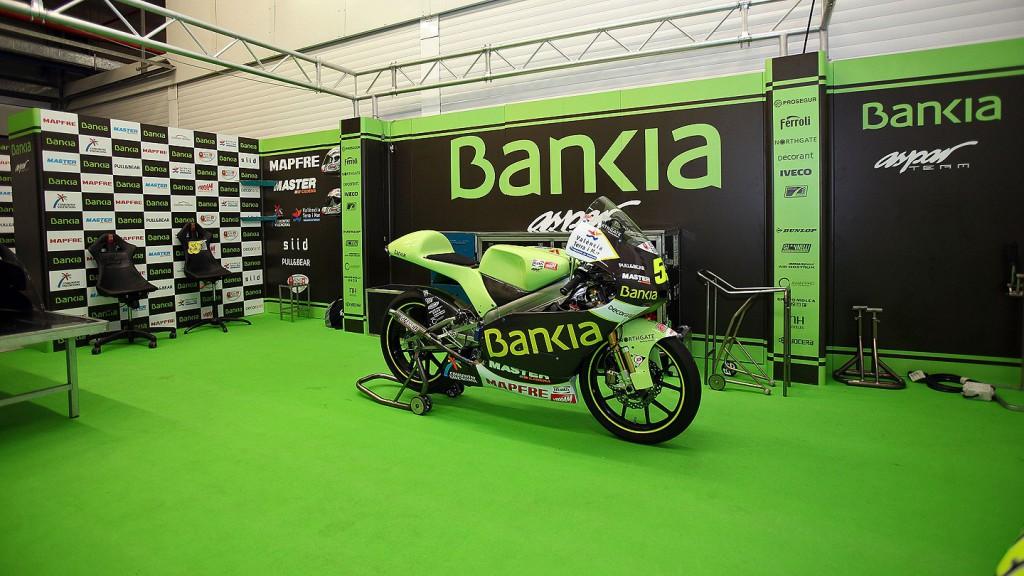 Bankia Aspar Team garage