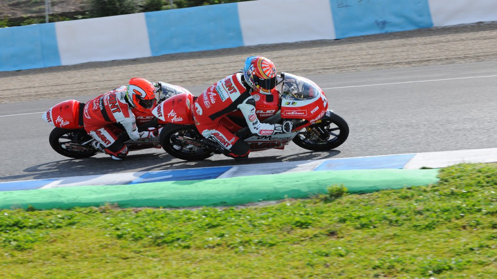 Air Asia´s Zarco and Vazquez in action in Jerez test