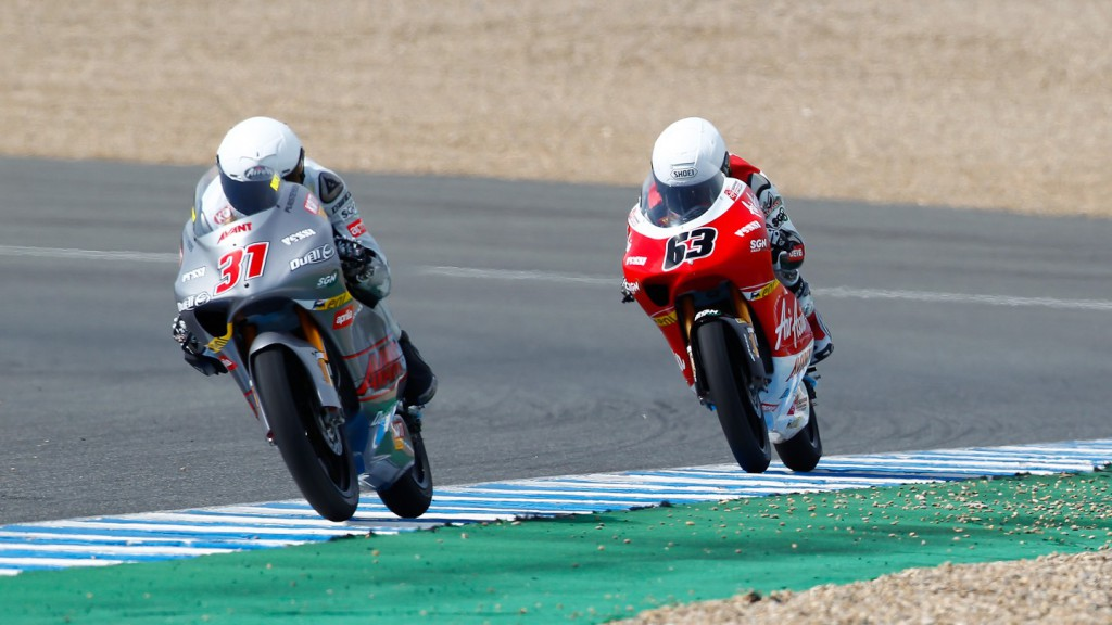 Zulfahmi Khairuddin and Niklas Ajo in action in the Jerez test