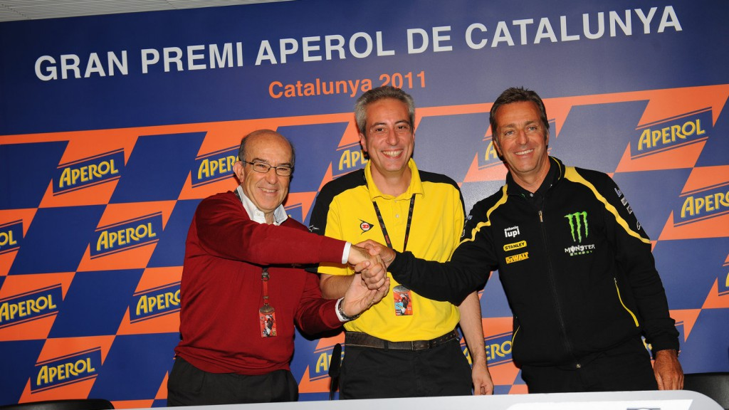 Carmelo Ezpeleta (Dorna Sports CEO), Sharon Antonaros (Dunlop Europe Motorcycle MKT Director), Hervé Poncharal (IRTA President)