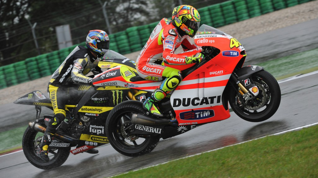 Valentino Rossi, Colin Edwards, Ducati Team, Monster Yamaha Tech 3, Assen FP1