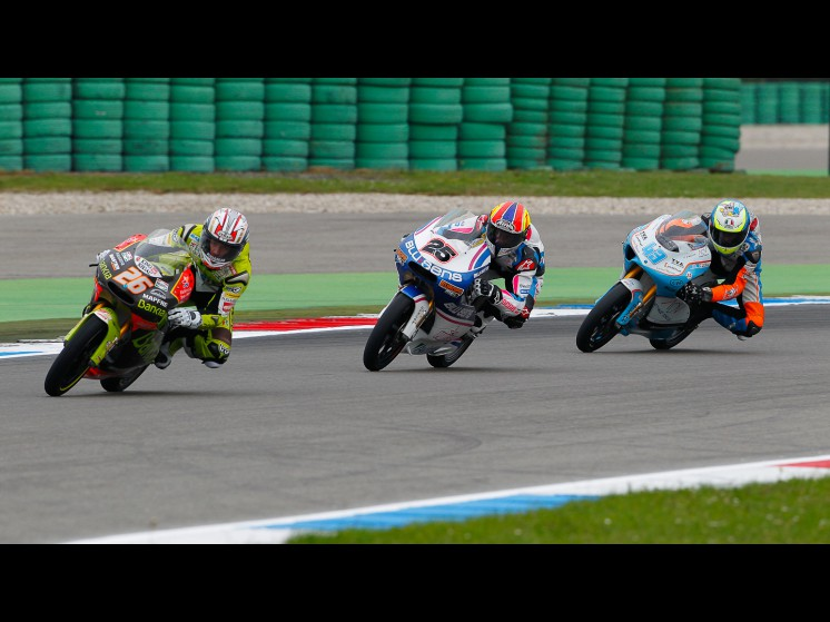 -Moto GP- Season 2011- - 125cc slideshow