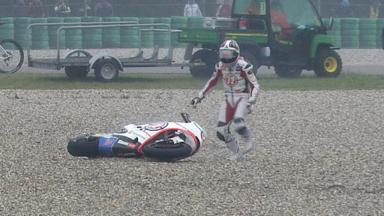Assen 2011 - Moto2 - Race - Action - Yuki Takahashi - Crash