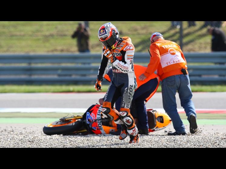 -Moto GP- Season 2011- - stoner crash002 slideshow