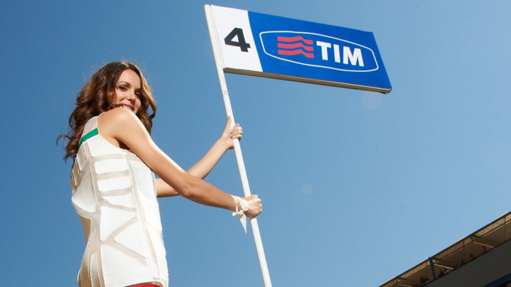 Paddock Girl, Gran Premio D´Italia TIM - © Copyright Alex Chailan & David Piolé