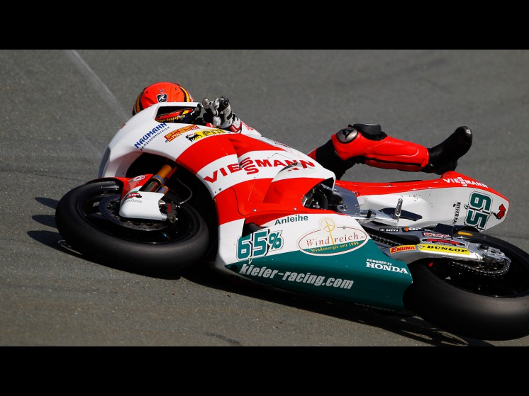 -Moto GP- Season 2011- - bradl crash ger fp303 slideshow