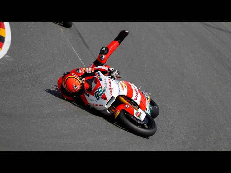 -Moto GP- Season 2011- - bradl crash ger fp305 slideshow