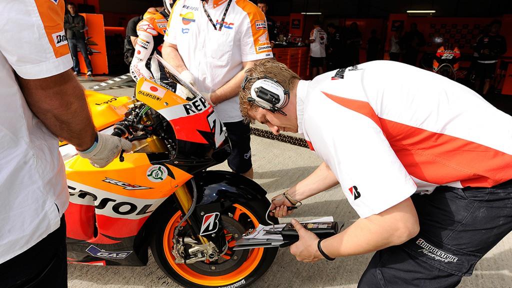Repsol Honda Team, Bridgestone, Pit lane