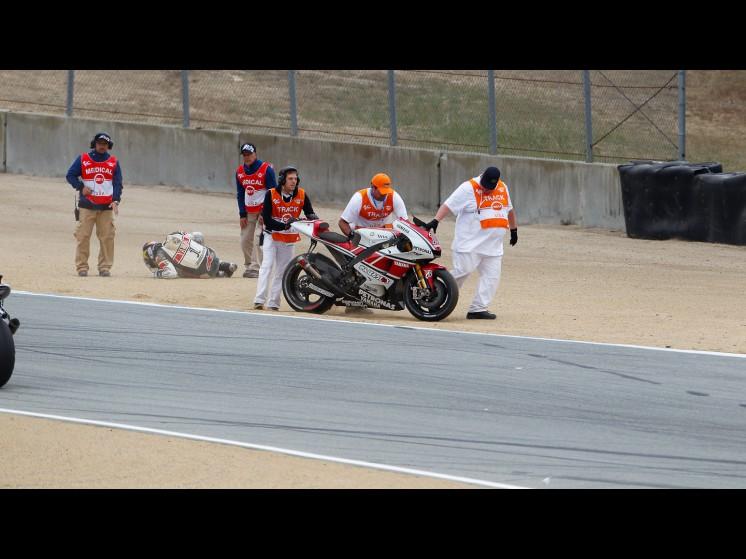 -Moto GP- Season 2011- - lorenzo crash usa fp302 slideshow
