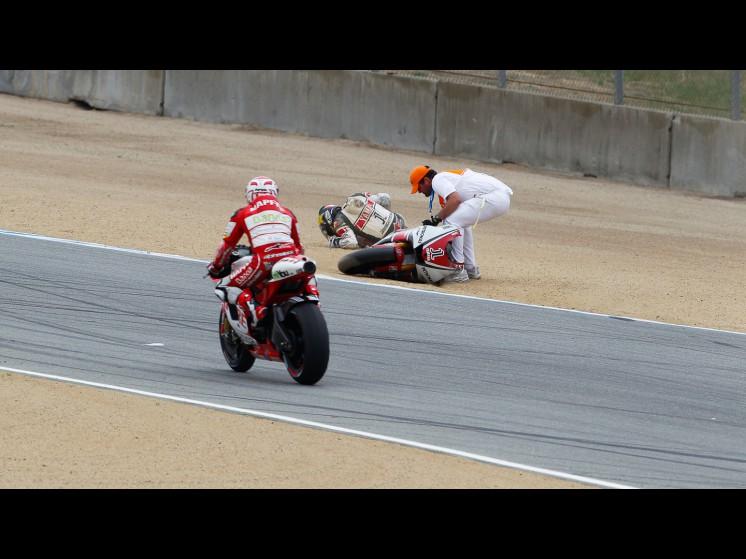 -Moto GP- Season 2011- - lorenzo crash usa fp303 slideshow