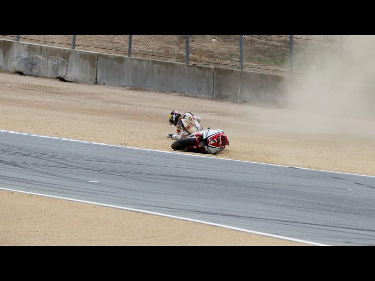 -Moto GP- Season 2011- - lorenzo crash usa fp304 slideshow