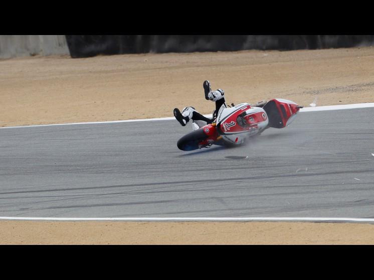 -Moto GP- Season 2011- - lorenzo crash usa fp306 slideshow