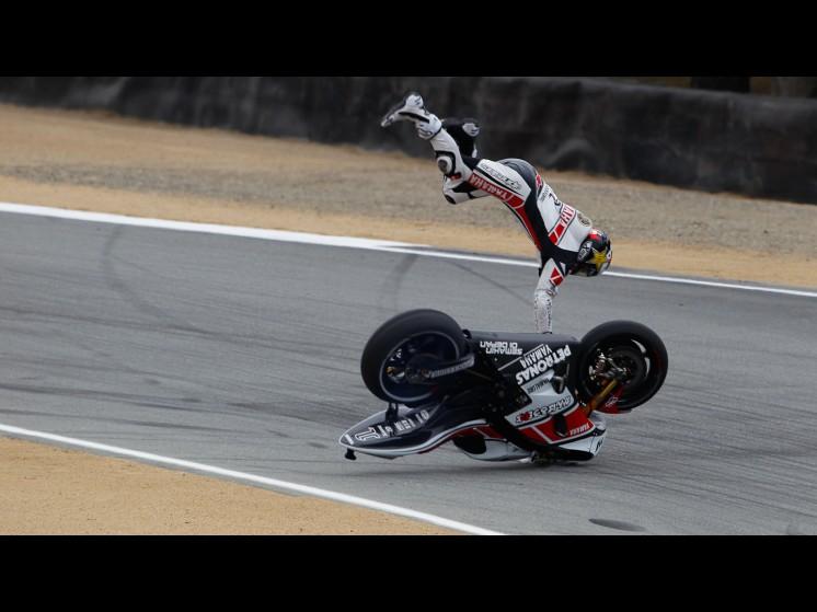 -Moto GP- Season 2011- - lorenzo crash usa fp311 slideshow