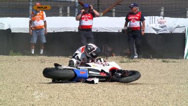 Indianapolis 2011 - Moto2 - FP2 - Action - Yuki Takahashi - Crash