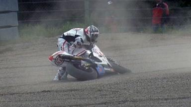 Motegi 2011 - Moto2 - Race - Action - Yuki Takahashi - Crash