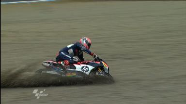 Motegi 2011 - Moto2 - WarmUp - Action - Axel Pons- Crash