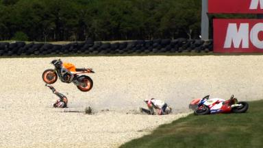 Phillip Island 2011 - Moto2 - FP1 - Action - Marc Márquez and Ratthapark Wilairot - Crash
