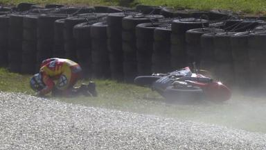 Phillip Island 2011 - Moto2 - Race - Action - Xavier Simeon - Crash