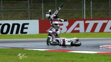 Sepang 2011 - Moto2 - FP2 - Action - Ricard Cardús - Crash