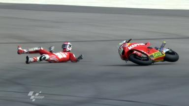 Sepang 2011 - Moto2 - FP2 - Action - Jordi Torres - Crash