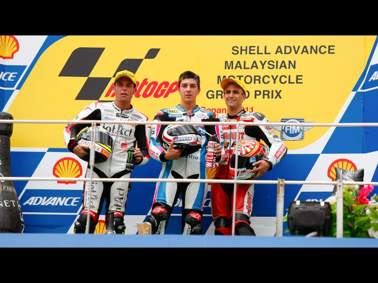 -Moto GP- Season 2011- - 05johannzarco11sandrocortese25maverickvinales125cc slideshow