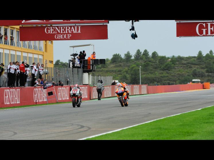 -Moto GP- Season 2011- - 11benspies27caseystonermotogp slideshow
