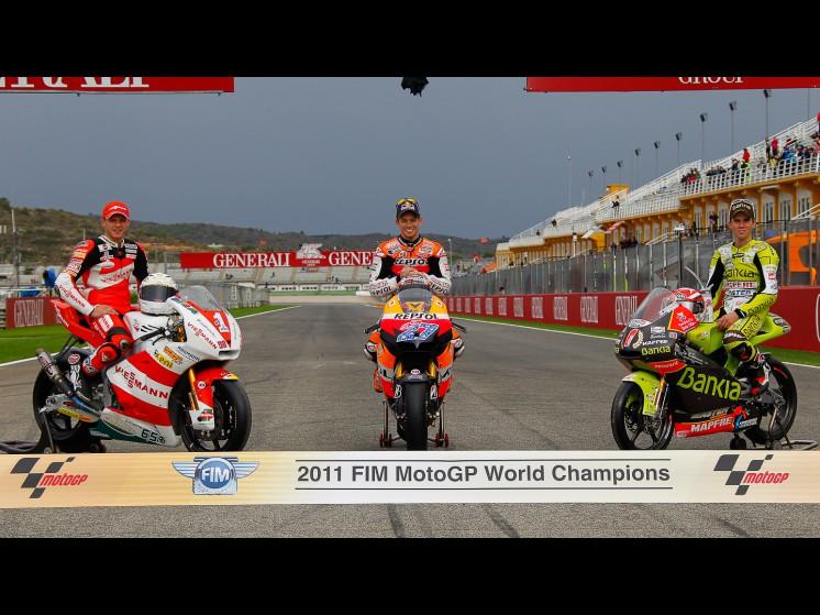 -Moto GP- Season 2011- - 18nicoterol27caseystoner65stefanbradl01 slideshow