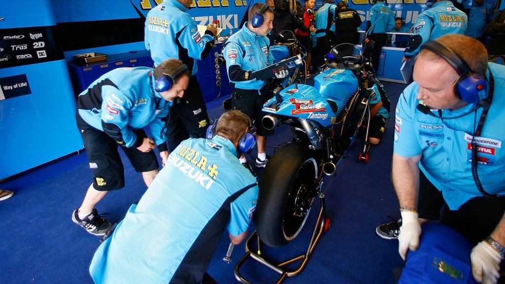 Rizla Suzuki MotoGP box