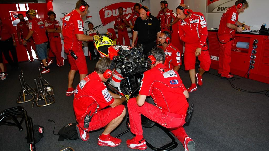 Ducati Team, Box