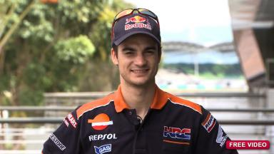 Pedrosa reviews the RC213V after Sepang first test