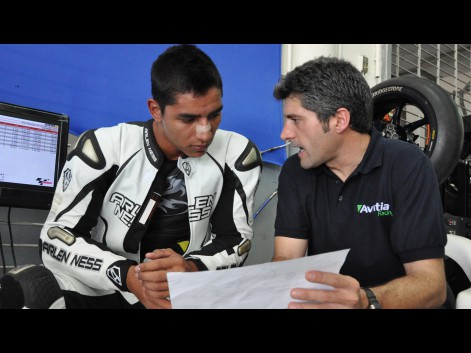 http://photos.motogp.com/2012/02/28/yonny_preview_big.jpg