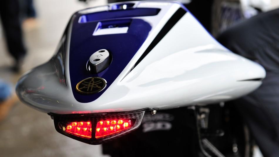 [Test 2012] Jerez MotoGP 23-25 mars - Page 2 Yamaha_01_slideshow_169
