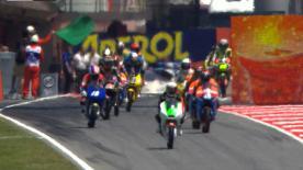 Louis Rossi, da Racing Team Germany, estabeleceu o ritmo do fim-de-semana na segunda sessão de livres de Moto3™ no Gran Premi Aperol de Catalunya, à frente de Maverick Viñales, da Blusens Avintia. Miguel Oliveira (Estrella Galicia 0,0) foi quarto.