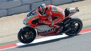 ducati reviews second day at catalunya
