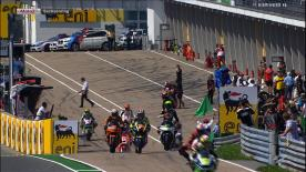 Pol Espargaró a signé le meilleur temps des essais libres Moto2™ de vendredi matin juste après la chute de Marc Márquez en fin de séance. Bradley Smith est troisième, derrière les deux Catalans.