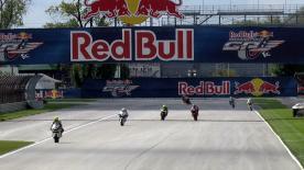 Pons 40 HP Tuenti-Pilot Pol Espargaró setzte die Messlatte für dieses Wochenende zum Red Bull Indianapolis Grand Prix hoch an, indem er im ersten freien Training der Moto2™-Klasse die schnellste Zeit vor Marc Márquez und Andrea Iannone fuhr.