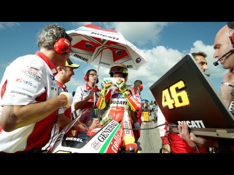 -Moto GP- Season 2012- - 46rossi cf000391 slideshow
