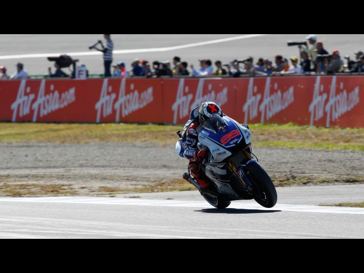 http://photos.motogp.com/2012/10/13/99lorenzo,motogp_gp25149_slideshow.jpg