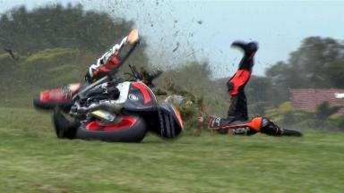 Phillip Island 2012 - Moto2 - FP3 - Action - Yuki Takahashi - Crash