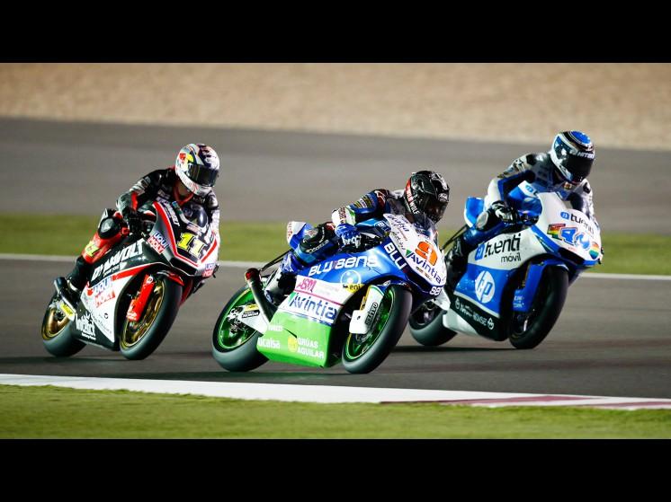MotoGP Season 2013 - 9kylesmithmoto211sandrocortese49axelponsjuevesmoto2 fp2qatar s1d9732 slideshow
