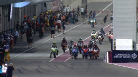 フリー走行2から連続して1番時計を記録したフリー走行総合1番手のサロンが、2013年シーズンの最初のポールポジションを獲得。右手薬指を負傷しているビニャーレスが、コンマ1秒差の2番手に浮上すれば、リンスが3番手。KTMを走らせる3人のスペイン人ライダーが1列目を独占すれば、フォルガー、オリベイラ、ティチャーが続き、新人勢ではマルケスが9番手。フリー走行総合32番手の渡辺陽向は、5.3秒差の最後尾32番手だった。