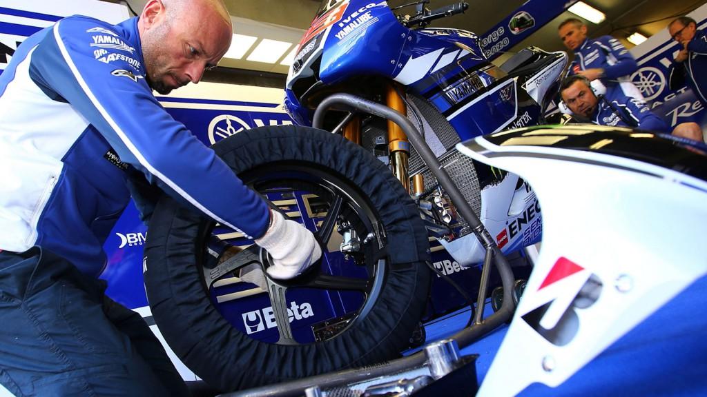 Yamaha Technician, Jorge Lorenzo box